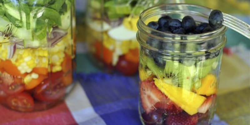 Tendencias foodies ensalada de frutas en frasco fashion for Frutas de cristal